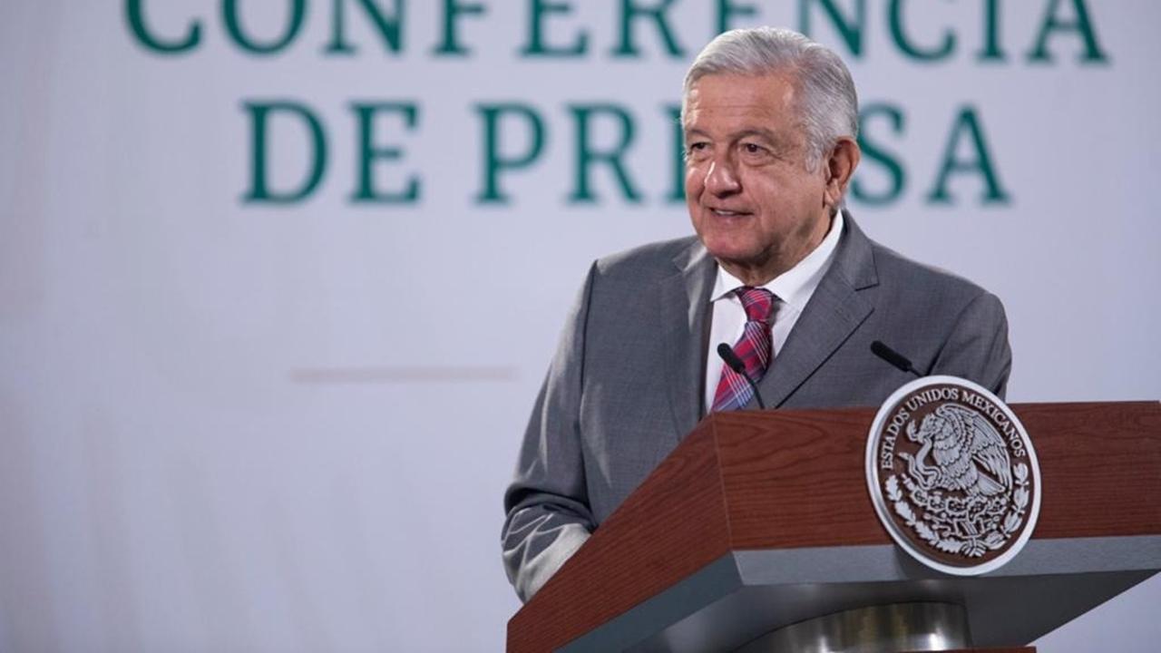 AMLO evita tema electoral para evitar riesgo de 'arresto'