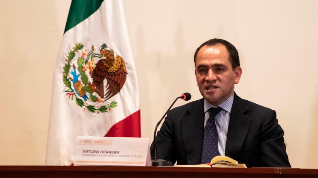 Vacunación para profesores iniciará el 19 de abril, incluye escuelas privadas: Arturo Herrera