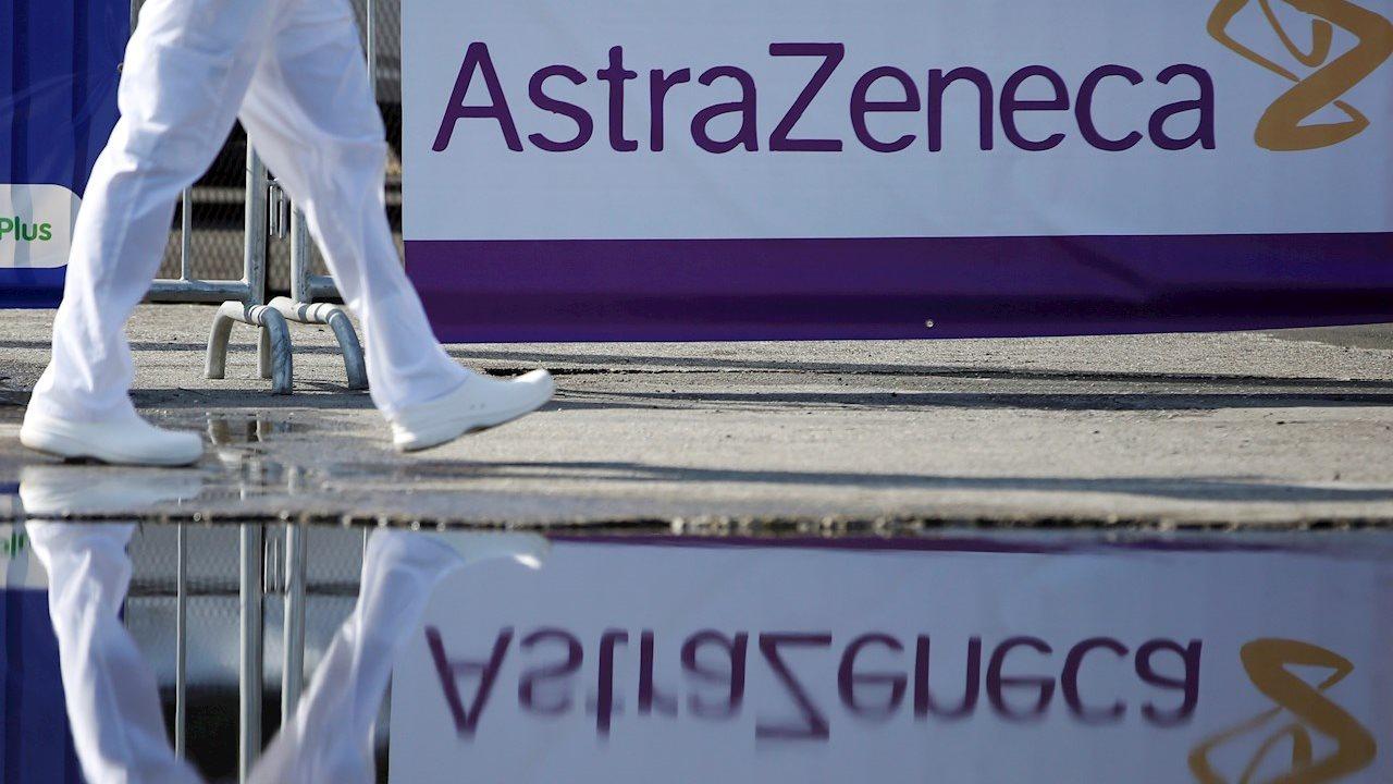 La Unión Europea denuncia a AstraZeneca por retraso en vacunas