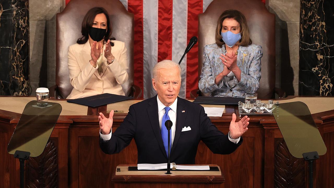 Es hora de que las grandes empresas y los ricos paguen de forma justa: Biden