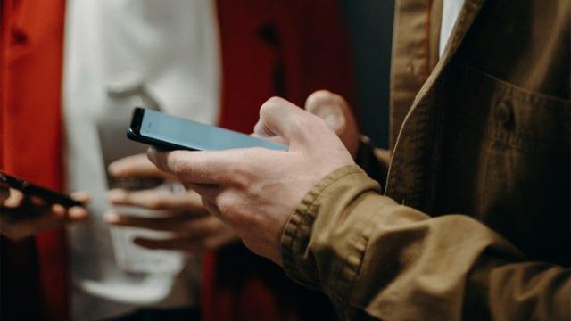 Senado avala en lo general crear padrón de datos de usuarios de celulares