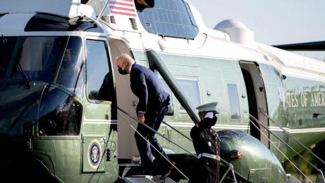 Biden dice que aumentará límite refugiados admitidos en EU