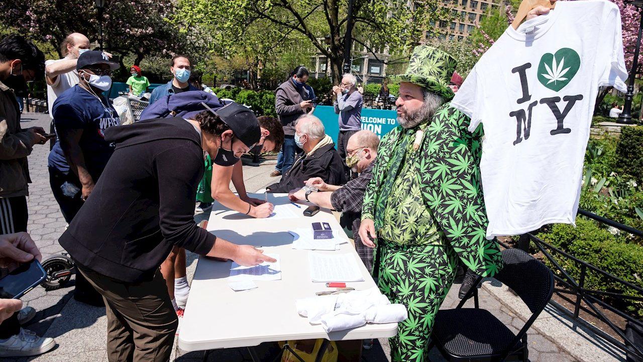 Regalan marihuana a vacunados de Covid-19 en Nueva York