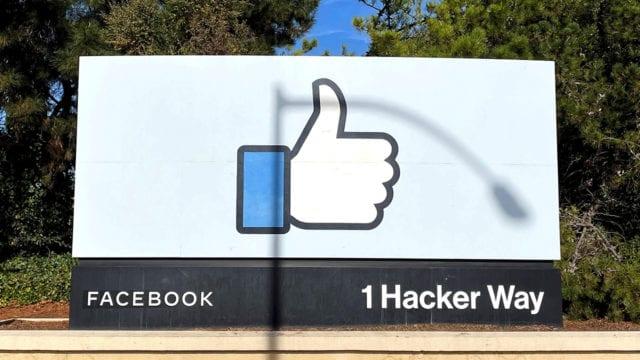 Facebook convierte parte de su sede en un centro de vacunación público