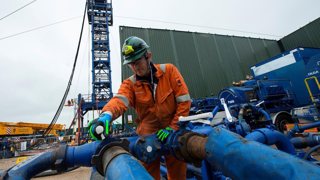 Con fracking, AMLO podría financiar todos sus programas sociales: Clúster de Energía