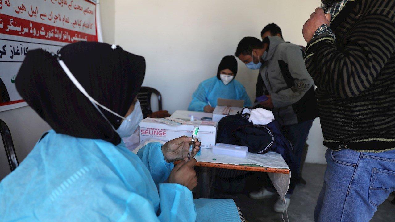 AMLO se solidariza con India; cederá vacunas contratadas de AstraZeneca