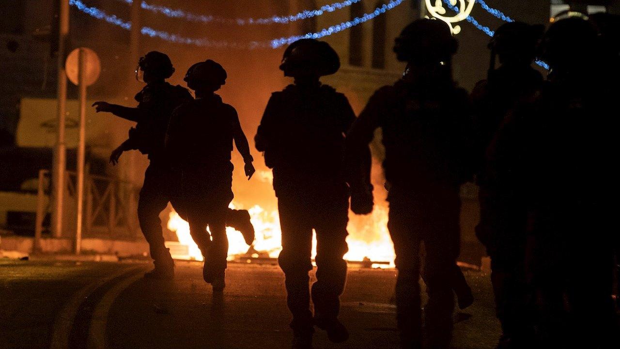 Estalla violencia en Jerusalén entre ultranacionalistas israelíes y palestinos