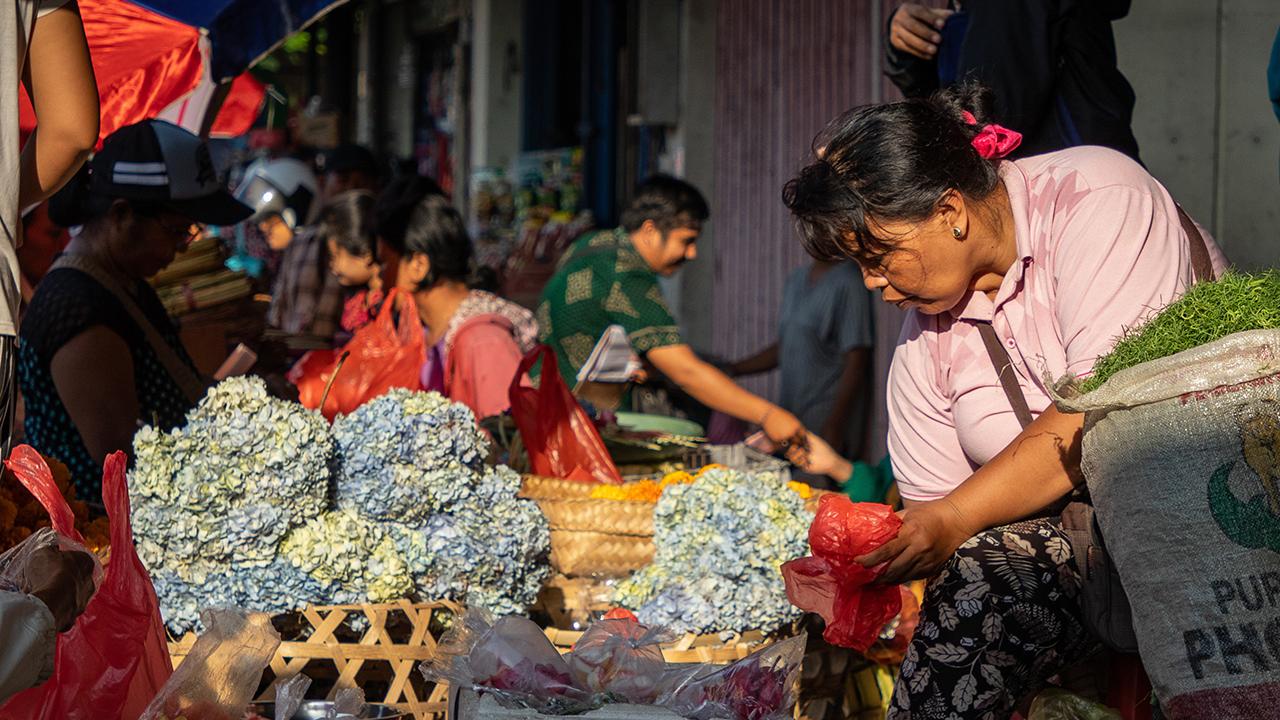 Las mujeres 'informales' aportan 9 mdp diarios al PIB… y tienen más riesgo de ser pobres