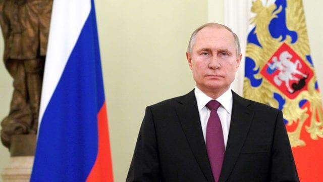 Putin firma ley que podría mantenerle en el Kremlin hasta 2036
