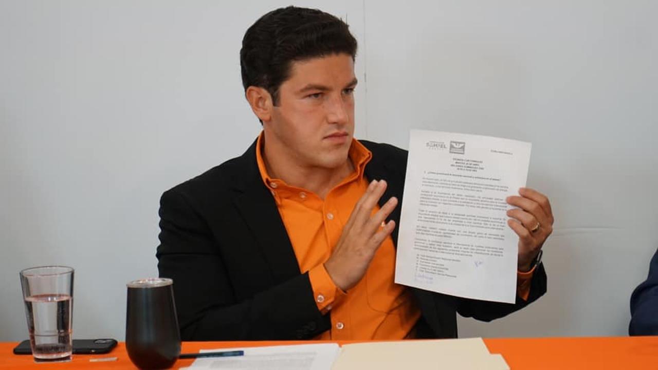 Samuel García propone libros de texto especiales para Nuevo León