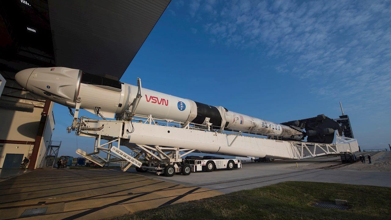 Elon Musk 'llega' a la Luna: SpaceX gana contrato de la NASA por 2,900 mdd