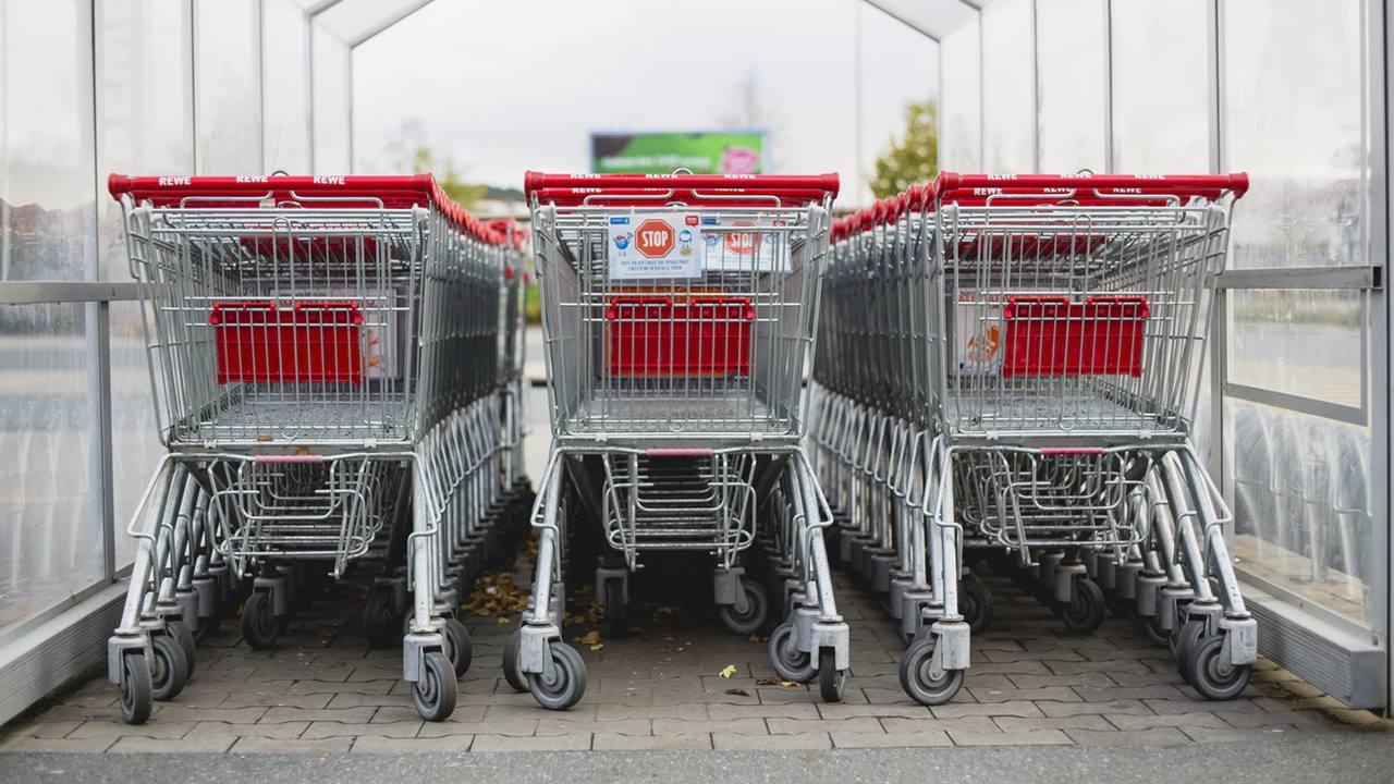 Profeco pide a tiendas de autoservicio evitar revisión de tickets a clientes