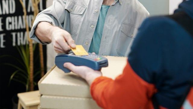 Dictamen preliminar de Cofece permitiría mercado equitativo de pago con tarjetas