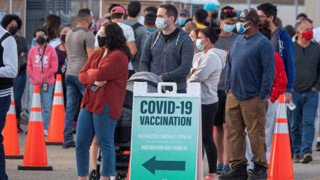 Turistas extranjeros podrían vacunarse en Estados Unidos