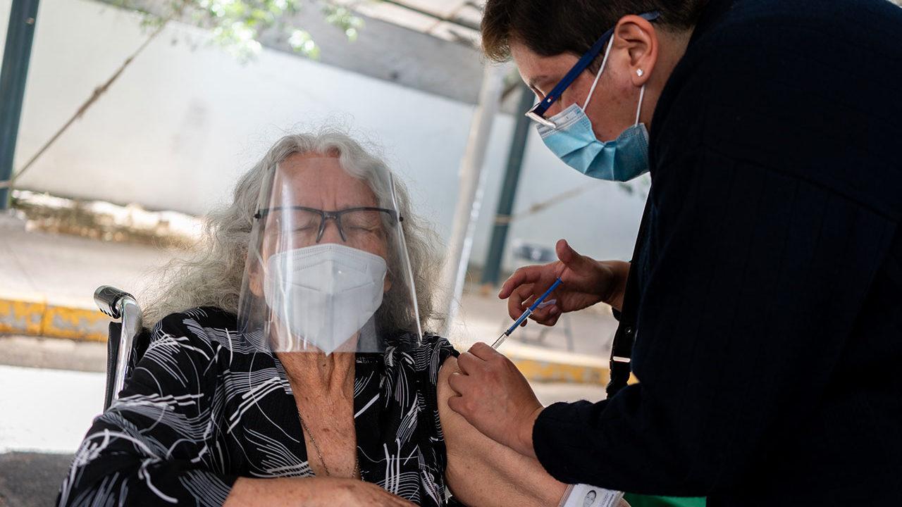 OMS pedirá donar 7 dólares para llevar vacunas a países pobres
