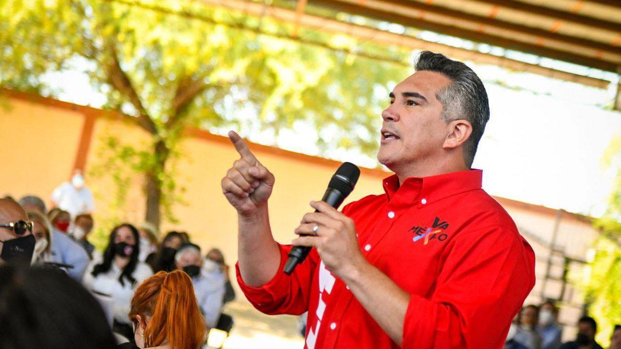 Líder del PRI y candidato en Campeche usaron empresas fantasma para desviar recursos: denuncia en el SAT