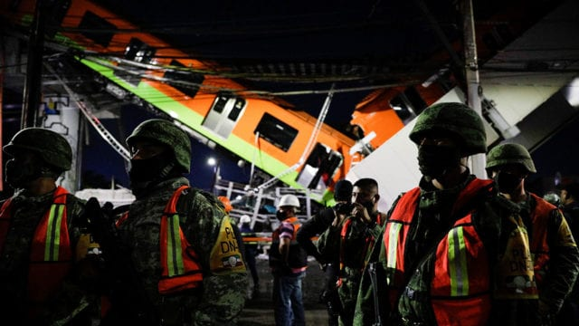 Metro Mexico City rail overpass collapses