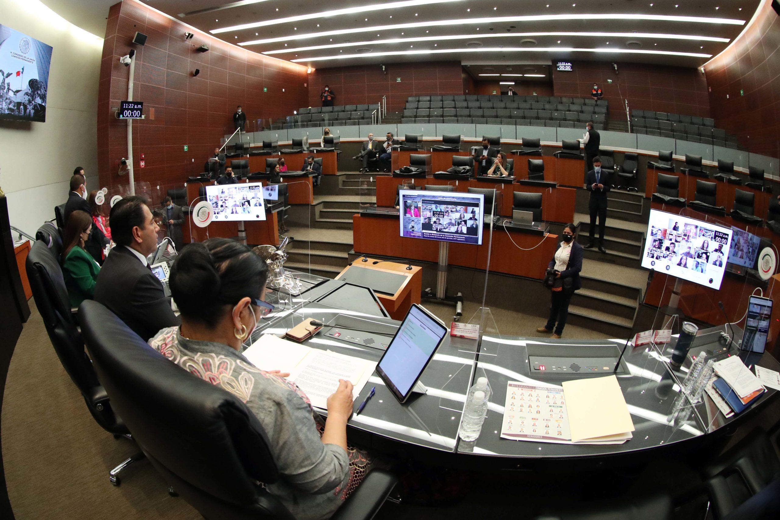 Martí Batres presenta iniciativa para 'callar' a los consejeros del INE