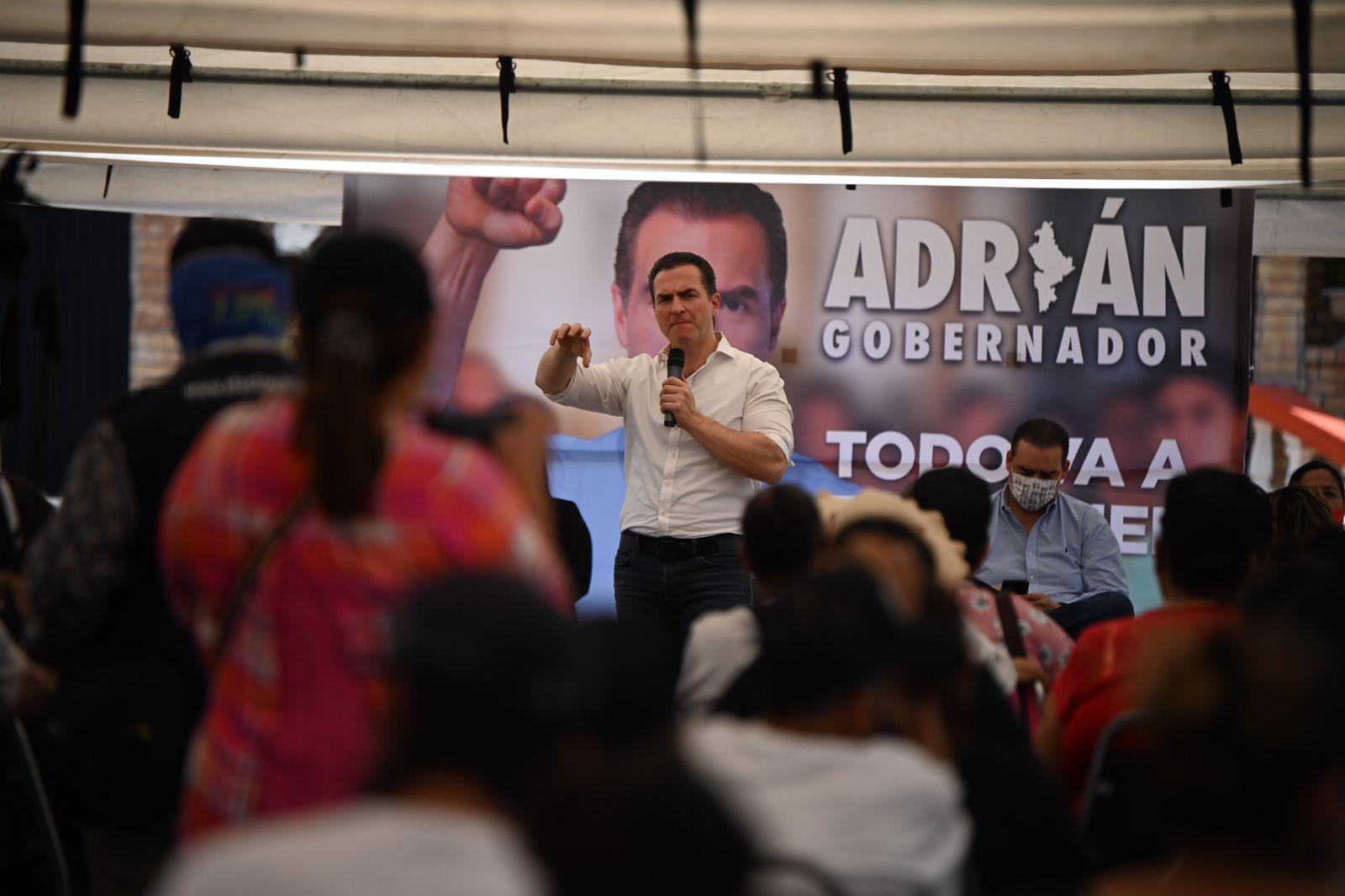 FGR informa que investiga a Adrián de la Garza por 'tarjeta regia'