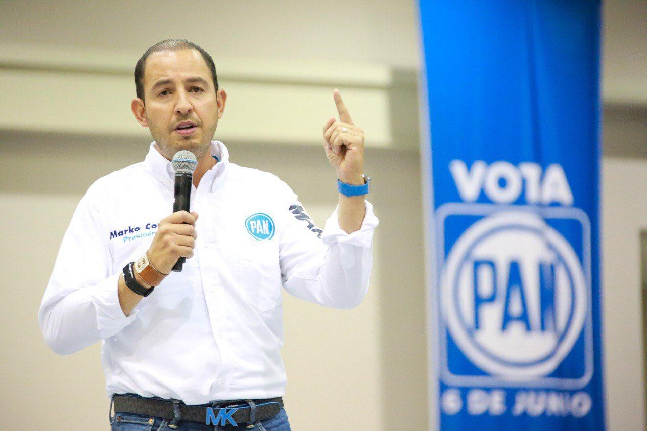 Marko Cortés, líder del PAN, gana más que AMLO