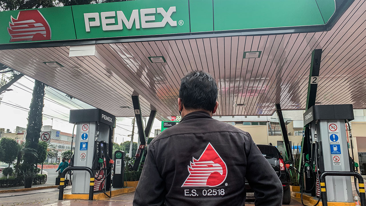 Juez congela indefinidamente control de Pemex sobre sus ventas mayoristas