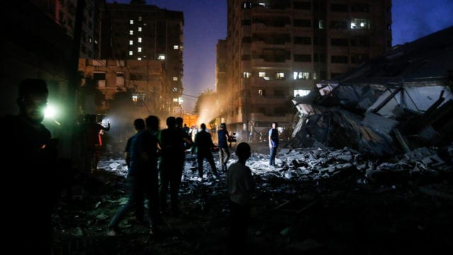 Destrozos en Israelí