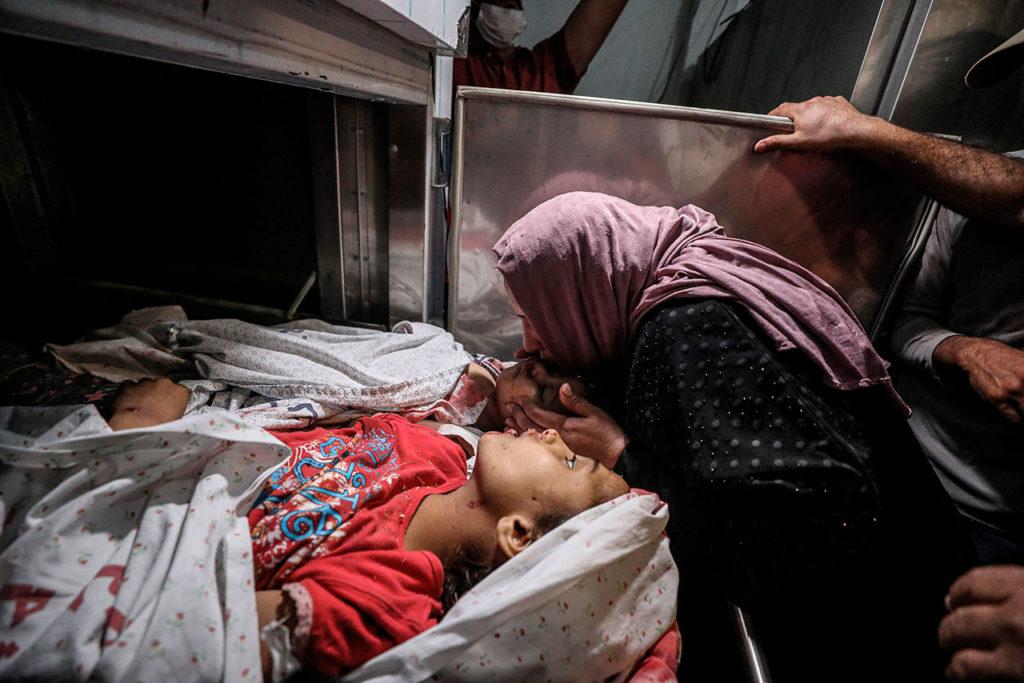 Muerte de niños palestinos durante bombardeo en israelí