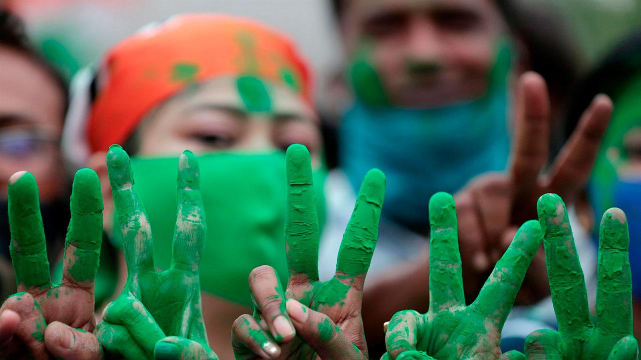 Fotogalería: Así se vivieron las elecciones en la India en el pico de la pandemia