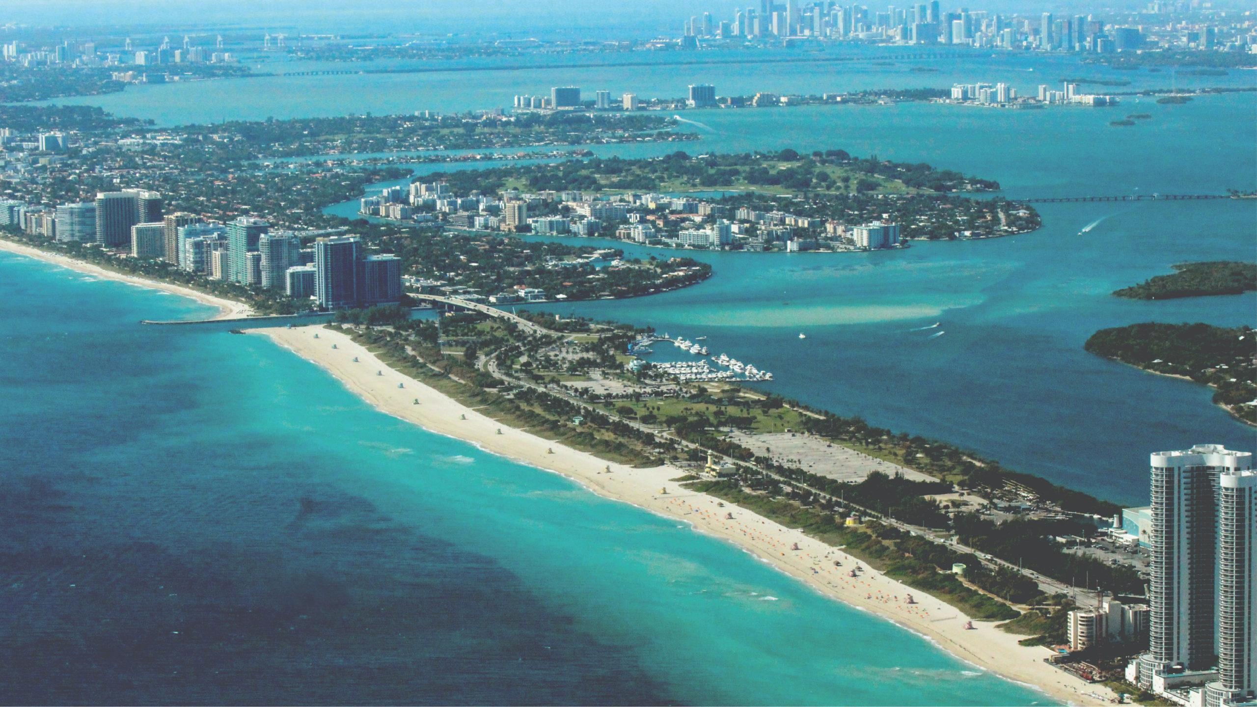Prohíben nadar en bahía de Miami por derrame de aguas residuales