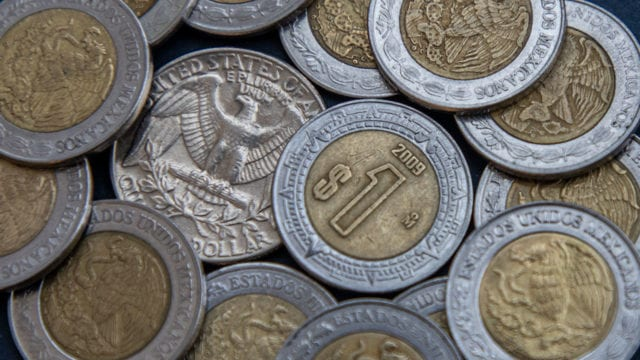Monedas peso dólar