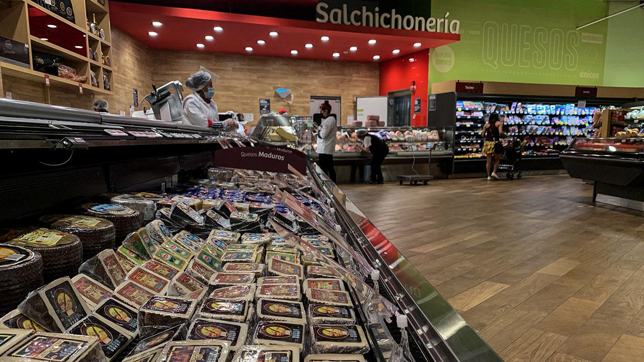 Ventas de supermercados y departamentales crecen 21.1% en junio