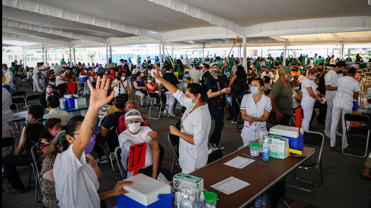 CDMX va por 750 mil vacunas en una semana: aquí grupos, sedes y fechas
