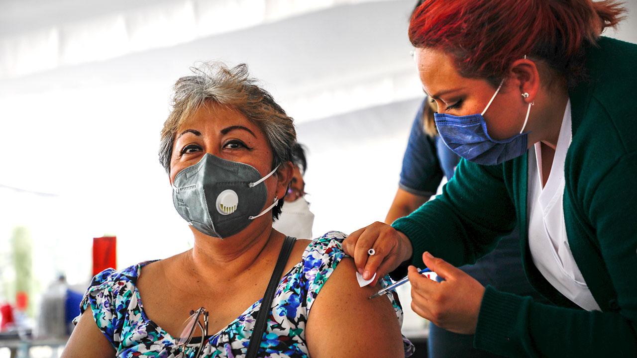 OCDE prevé crecimiento de 5% de economía mexicana; pide acelerar vacunación