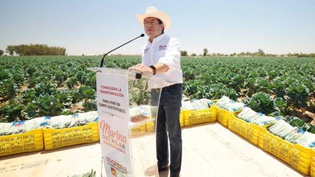 Mario Delgado, en gira por Baja California. Foto_ Morena