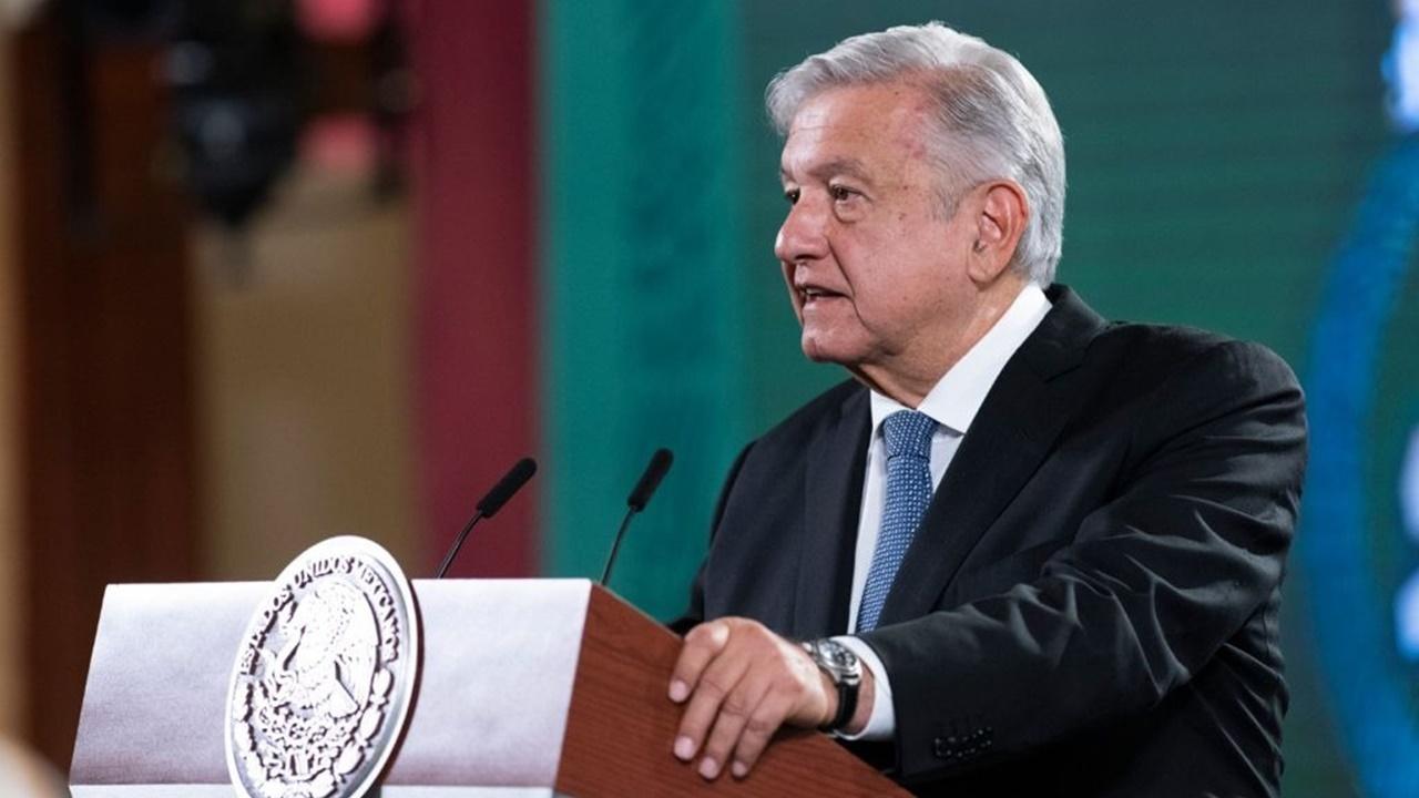 The Economist elogiaba a los corruptos de México: AMLO