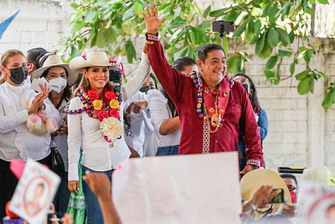 Félix Salgado, presente en arranque de campaña de Evelyn: 'Hay tora y hay toro'