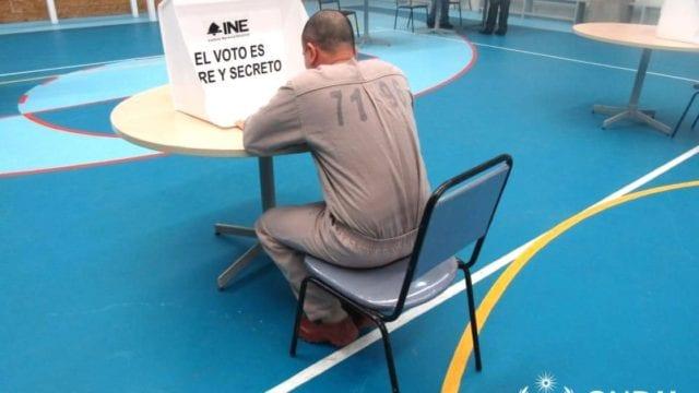 Preso ejerciendo el voto. Foto: CNDH.