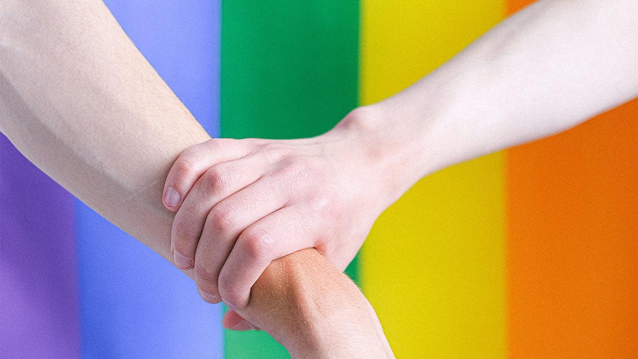 Biden promete defender derechos LGTB+ en EU y el mundo