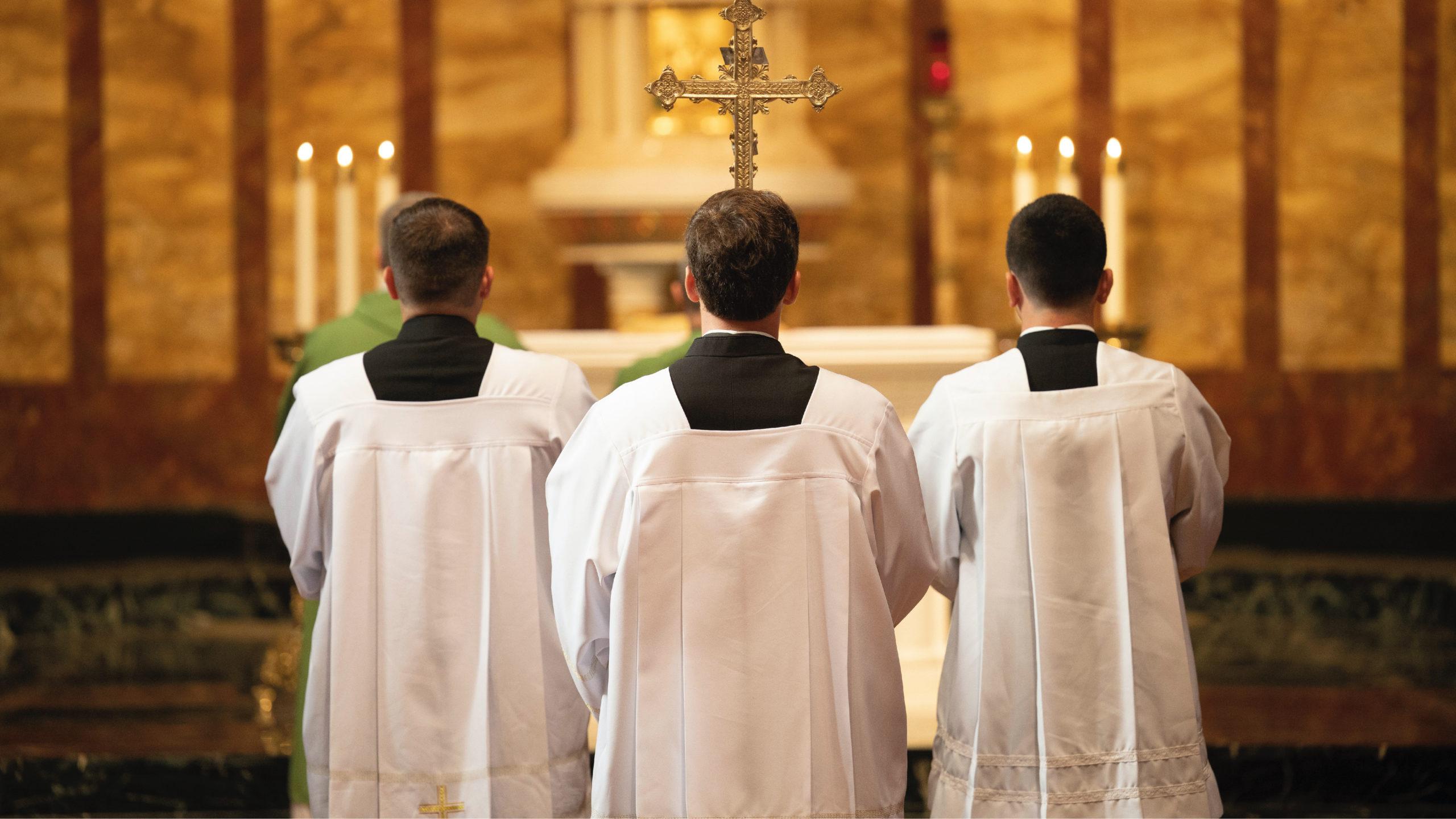 Nuncio de México admite que miembros de la Iglesia encubrieron abusos