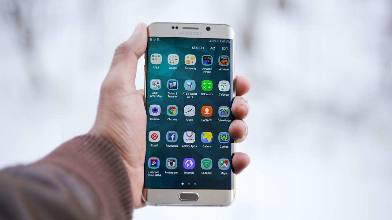 Samsung quiere llegar a 100 tiendas en México en un año