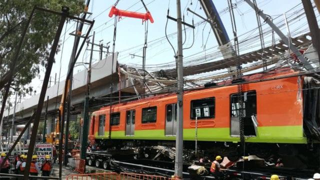 Retiran los dos vagones que colapsaron en la Línea 12 del Metro