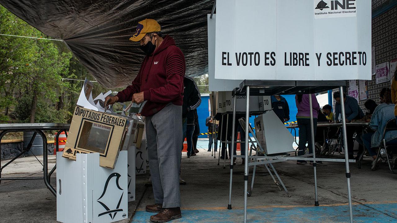Prevalecen expresiones sexistas y discriminación a mujeres en elecciones: ONGs