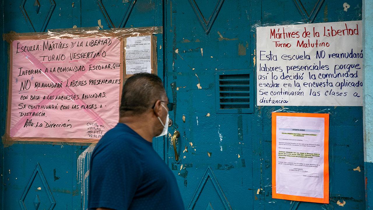 Tímido regreso a clases en la CDMX: reabrieron apenas 11% de escuelas