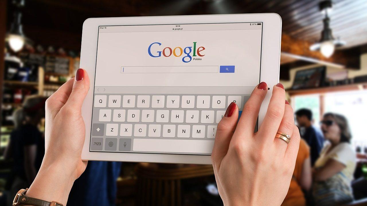 Alphabet logra ingresos y ganancias trimestrales récord por gasto en publicidad