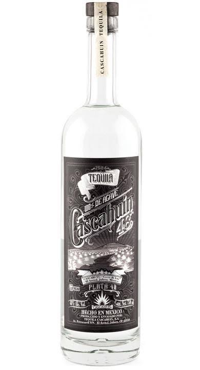 Botella de Tequila Cascahuín destilado mexicano