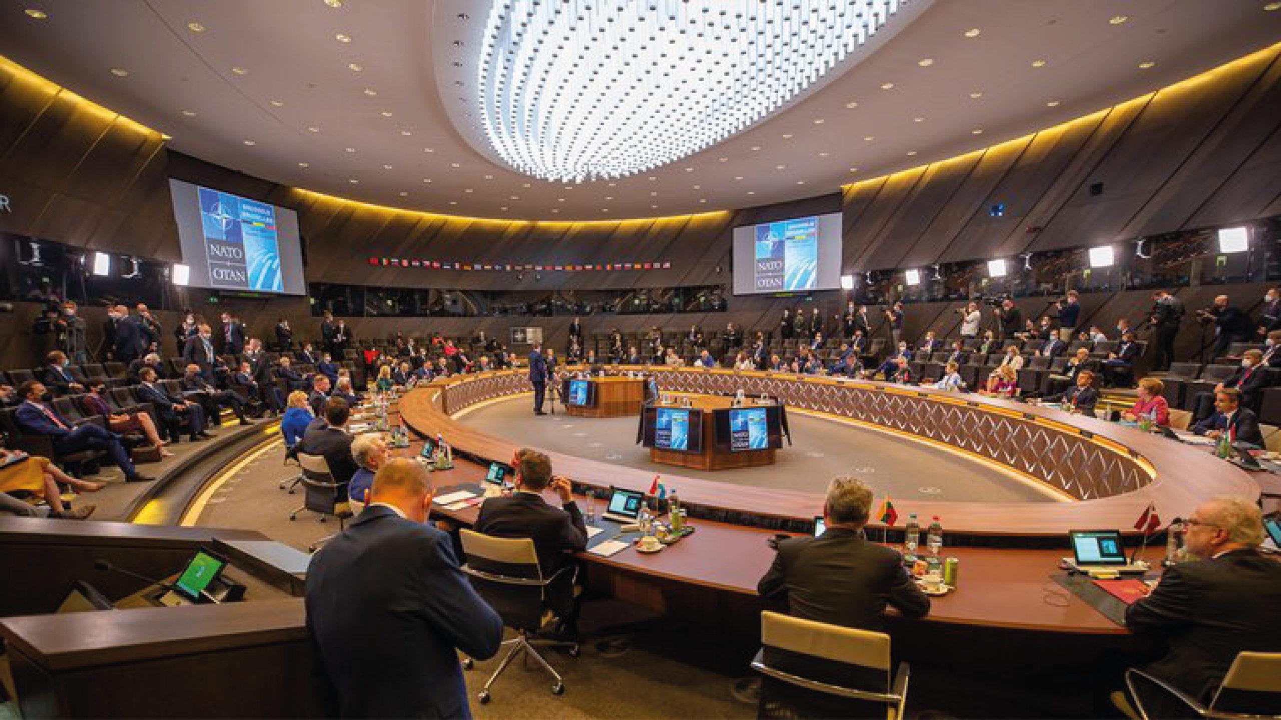 La OTAN insta a China a 'actuar de forma responsable' en la escena global