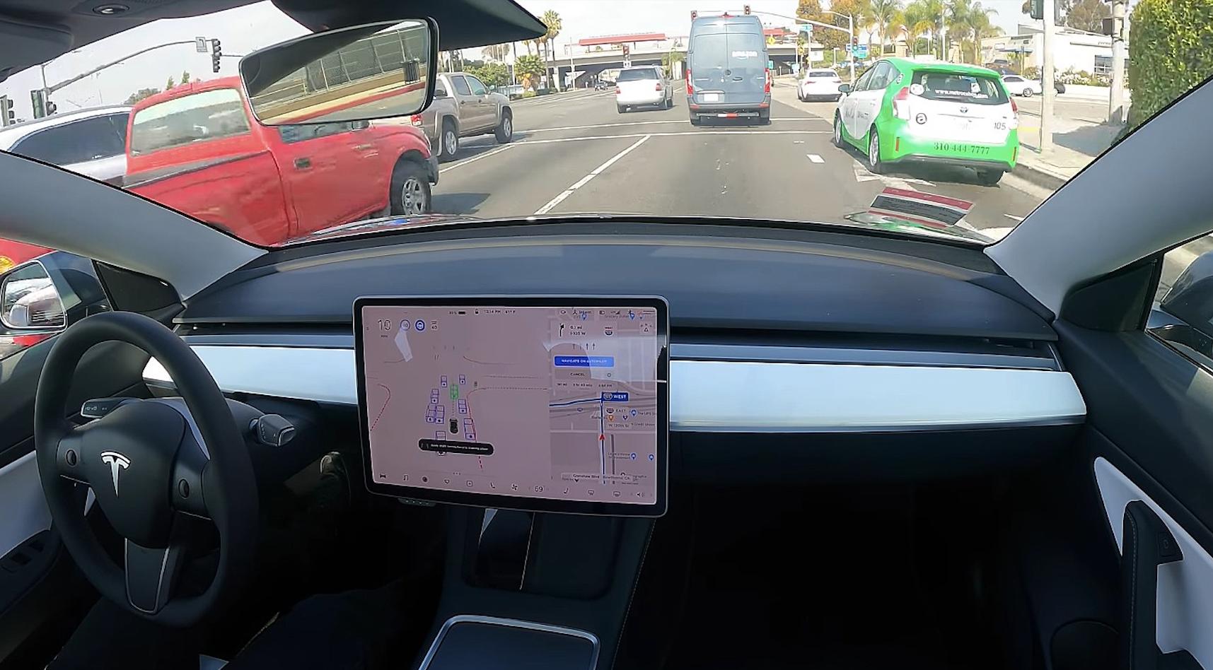 Los Tesla podrán conducirse solos hasta los 130 km/h: conoce el sistema Pure Vision