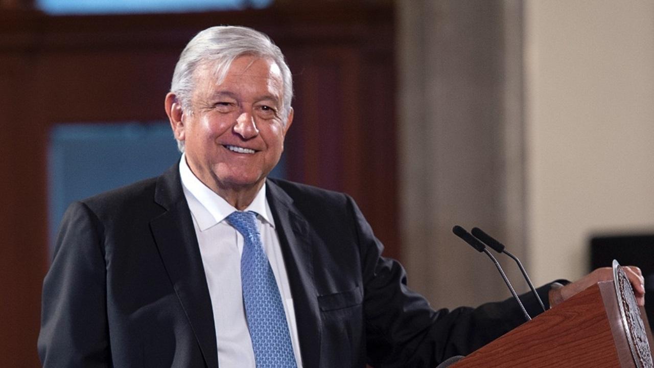 López Obrador sí cobrará pensión… de adulto mayor