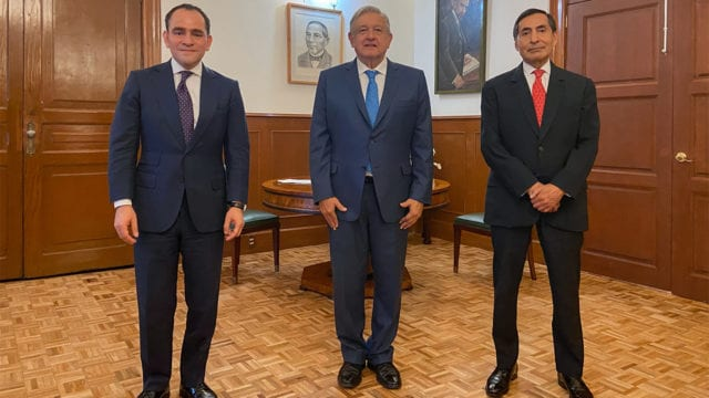 AMLO realiza cambios en la dirigencia de Hacienda y del Banco Central
