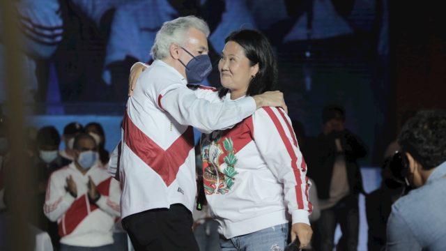 Perú: Keiko Fujimori y Álvaro Vargas Llosa se 'reconcilian tras 30 años de enfrentamientos'